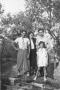Angelo Galligani con i genitori e la sorella Mirella