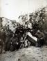 Partigiani del btg. Matteotti Picelli ad Antessio. Il terzo da sinistra dietro è Nello Quartieri