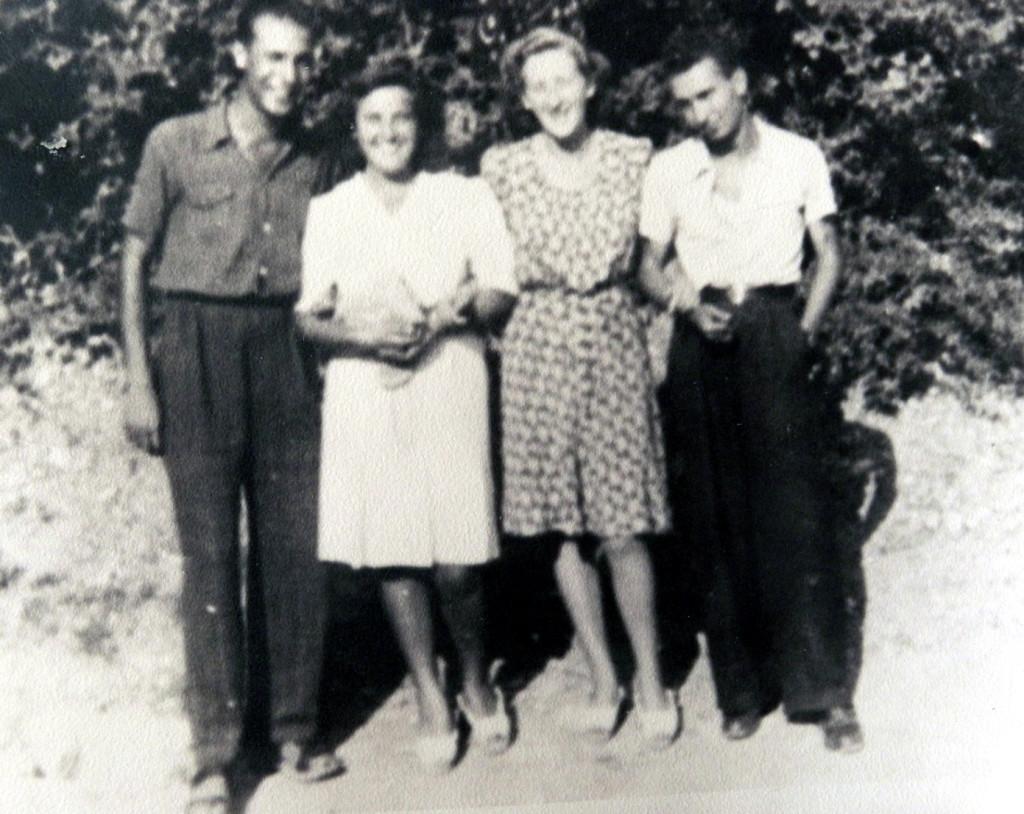 Fronte della Gioventù a Sarzana. Da sinistra: Dante Savona, Benita Marchini, Anna Maria Vignolini, Werther Bianchini