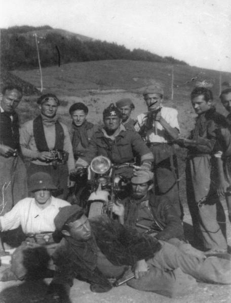 Partigiani della Cento Croci. Angelo Galligani è segnalato da un tratto di pennarello